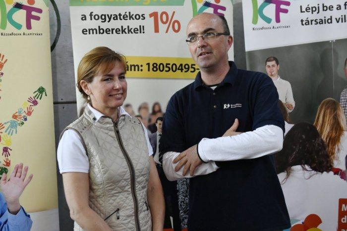 Herczegh Anita a KézenFogva Alapítvány sportnapján